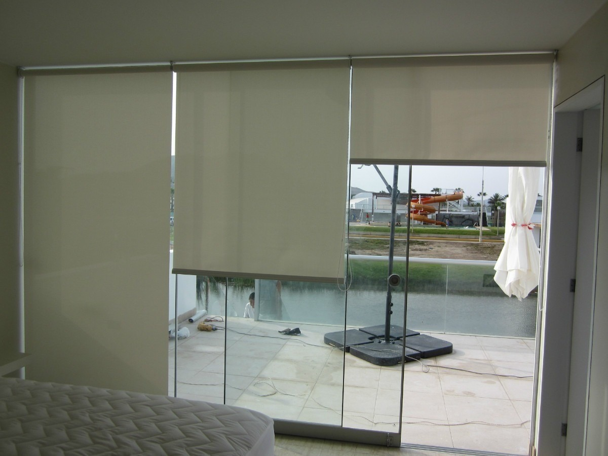 Cortinas roller en black out s 11 90 en mercado libre for Cortinas black out precios