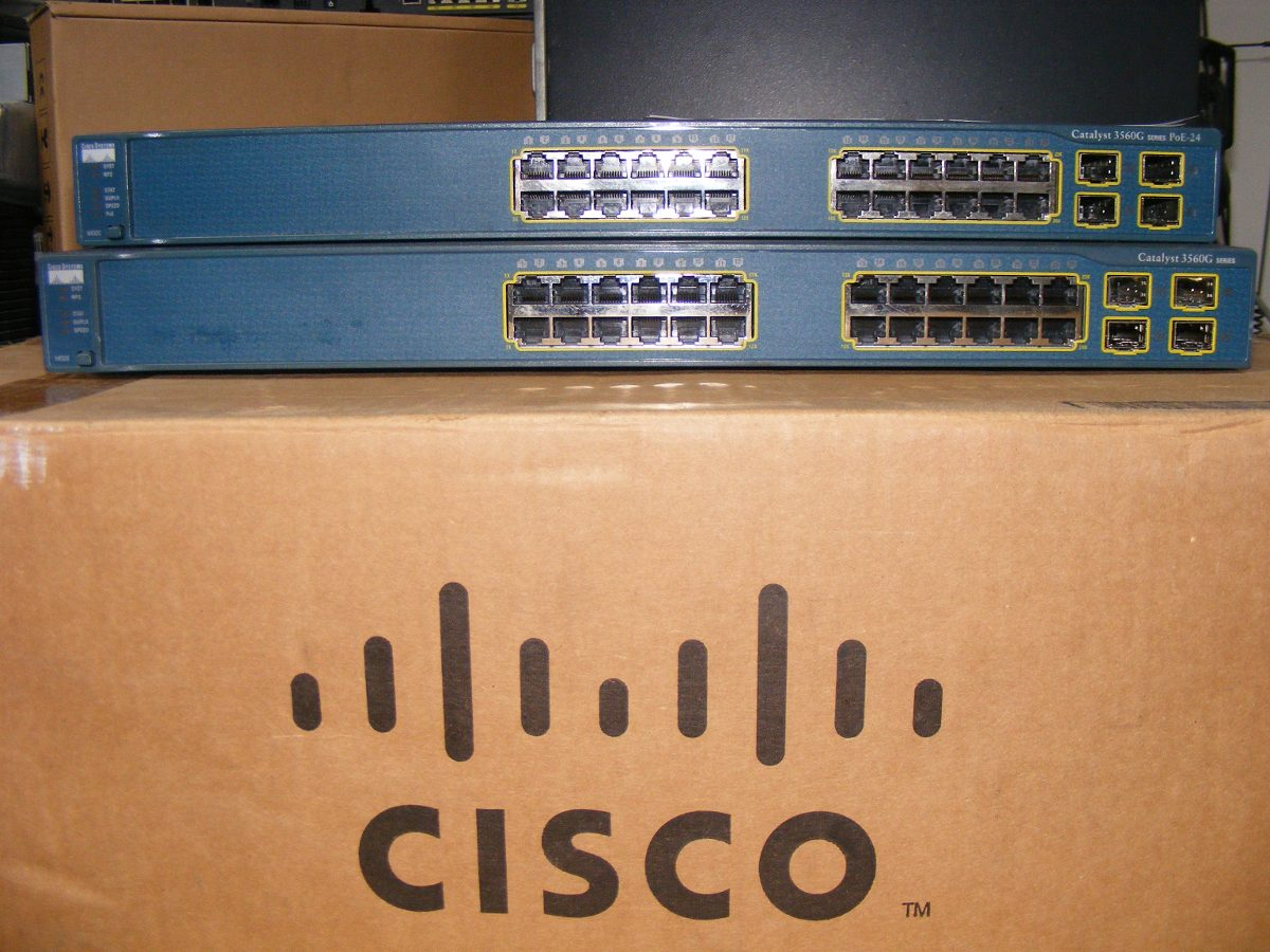 hp cisco Walk through of vlan, ip, link aggregation, ospf and bgp basics on both platforms.